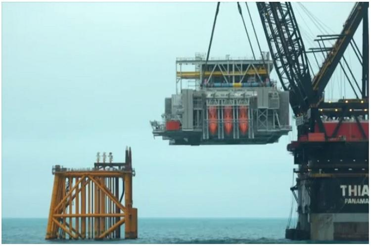 Offshore hookup and commissioning